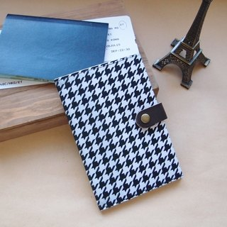 Passport Holder  houndstooth Check  Black & White
