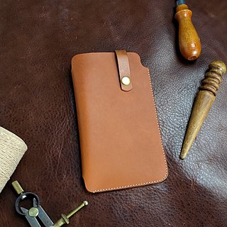 [DOZI leather hand-made] single-button mobile phone leather case can be made according to different styles of mobile phones for the dyeing production of free color scheme for the light brown