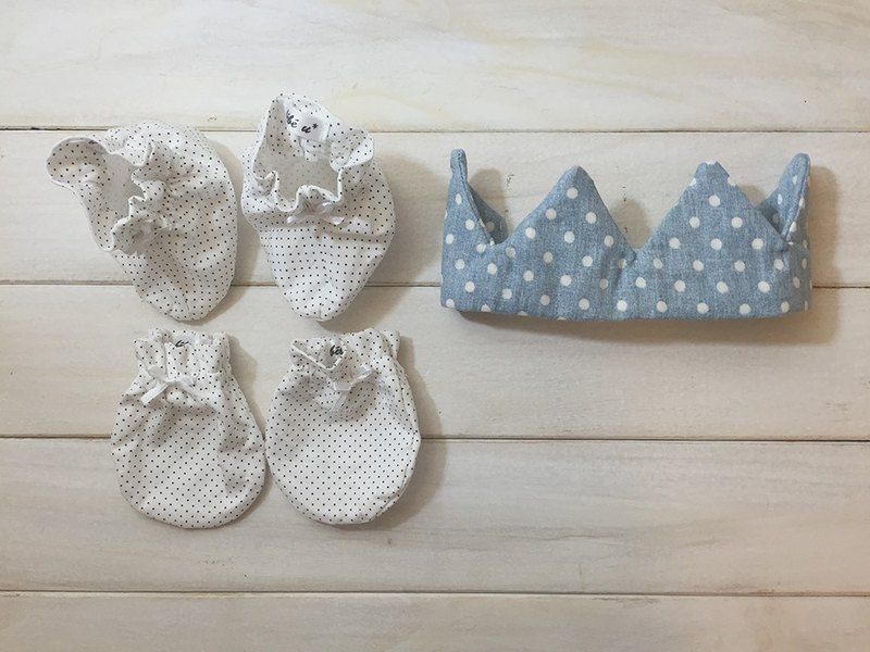 MIT hand for newborn male baby little prince hat full moon births attached gift packaging