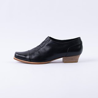 ZOODY / new / hand shoes / flat deep mouth shoes / black