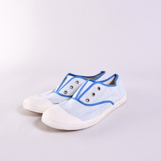 50% off - small spots at the insole - FREE nostalgic blue