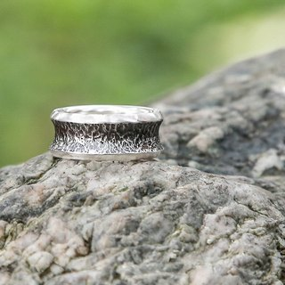 Handmade 925 sterling silver [Black series - micro wide version irregular forging geometric neutral ring] quenching chain