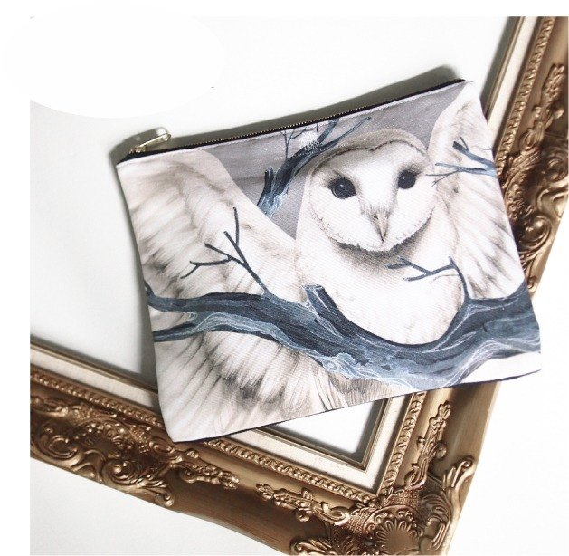 [Me & amp; a Cup of Hot Chocolate] The Snowy Owl / snowy owl custom Clutch