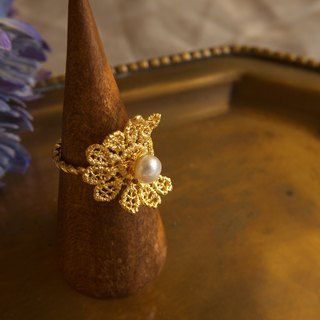 Gold Lace Flower pearl Ring