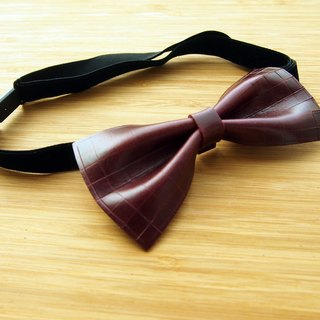 Handmade vegetable tanned leather wine red plaid tie