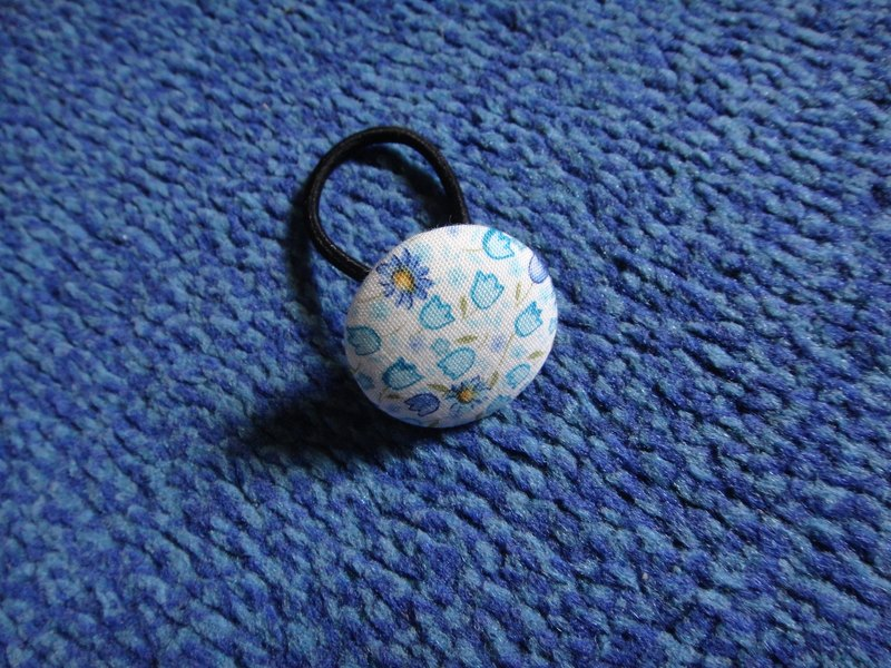 Sky blue floral button hair ring C48CIY44