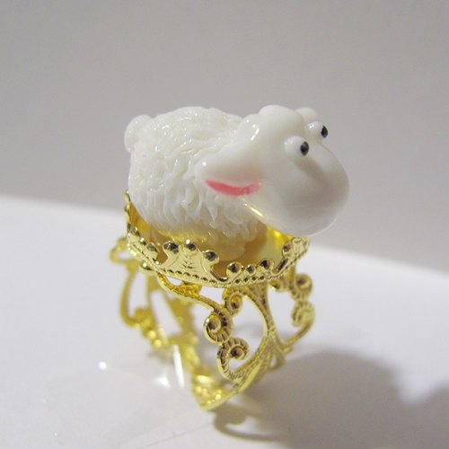 Withhold you / u {SHEEP RING} Sheep ring