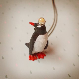 Fabulous Adventure - Papua gentleman penguin necklace