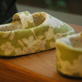 Matcha cherry baby shoes