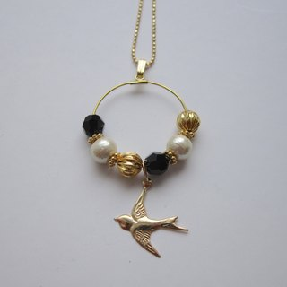 Swallow necklace (Black)