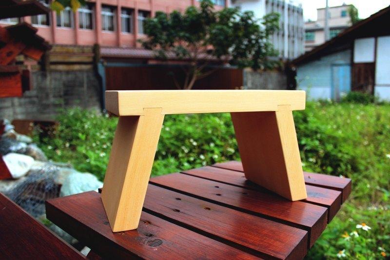 【阿拉斯加扁柏】原木小板凳