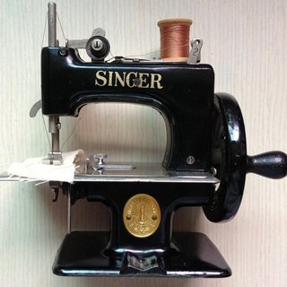 [Thing] antique old antique hand SINGER 20 Sewing Machine - Black (stock)