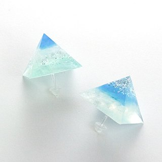 Pyramid-shaped earrings (blue)