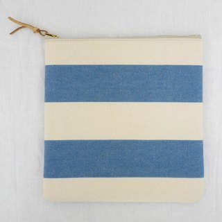 EVERYTHING IN BETWEEN Zipper Pouch Square M