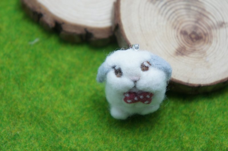 wool felt happy bunny broches