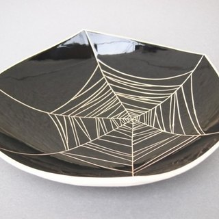 Dish (spider web) black plate (spider web) black