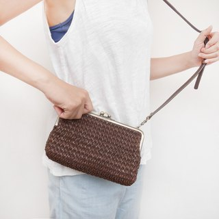 I want to have two big shoulder bags / mobile phone bag / mouth gold bag [made in Taiwan]