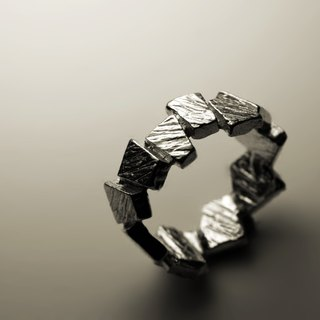 Small square texture ring