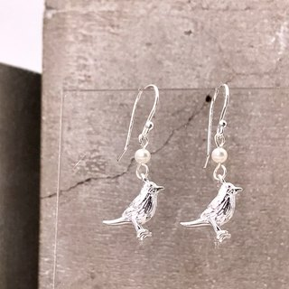 E31023 Little Bird Silver 925 & Fresh Water Pearl Earrings