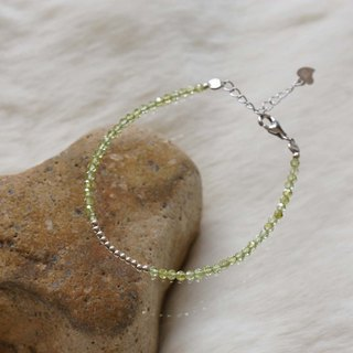 Olivine Gem Silver 925 Bracelet with Linear Memory Alloy