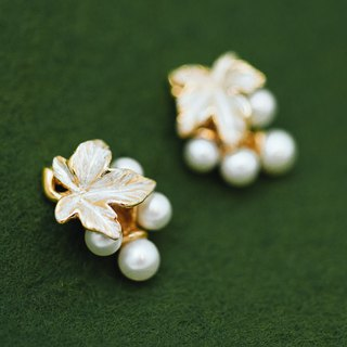 Japanese jewelry - Grape vine earrings - Silver and gold - pearl earrings