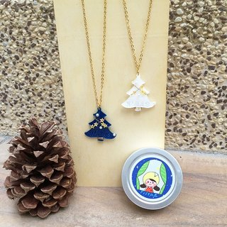 ✦Pista mound painted ✦ Christmas tree necklace / Christmas Limited