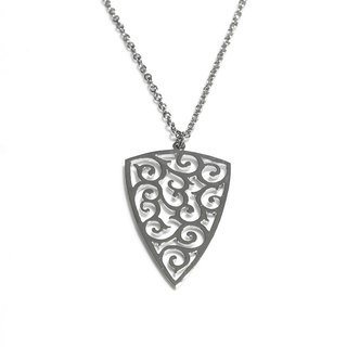 Decorative pattern in arrow shape pendant