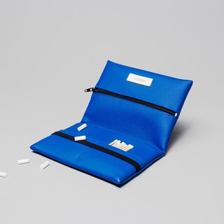 Pouch in blue