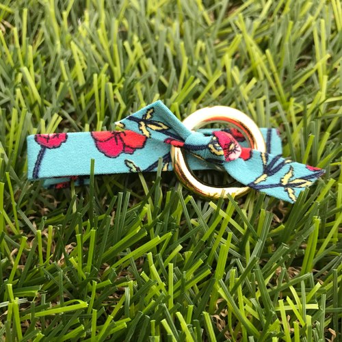 022 405 Floral circle frame gold hairpin (blue)