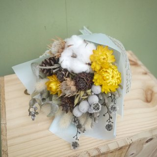To be continued | small sun dried flower bouquet wedding gift wedding gifts arranged small objects bridesmaid ceremony was small office home layout decorations Stock healing