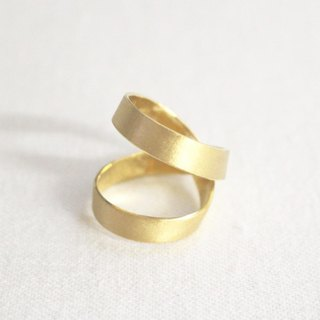Silver of reversible ring (gold color)