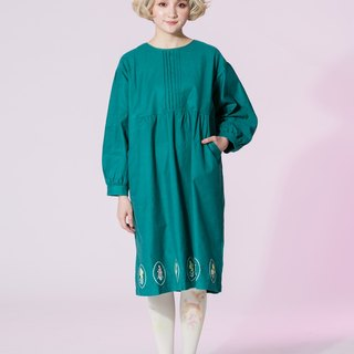 : EMPHASIZE chest pressure pleated hem oval flower embroidery dress - Green