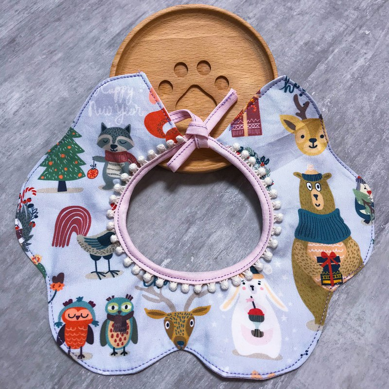 Christmas style animal over Christmas saliva shoulder pet collar