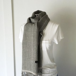 "Unisex hand-woven scarf ""Light Gray and White lines"""