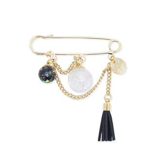Chandelier Snowball Brooch