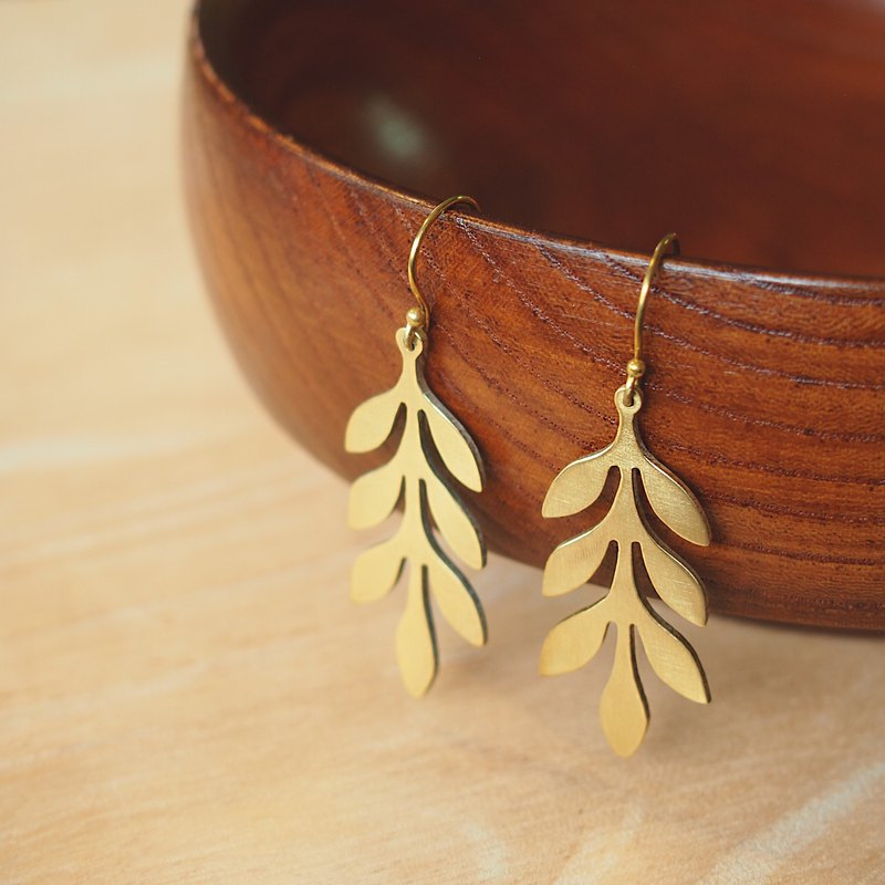 Mother fern leaf brass earrings