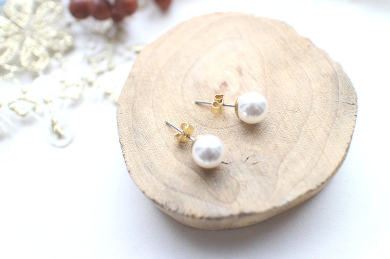 Little snow-Pearl brass earrings