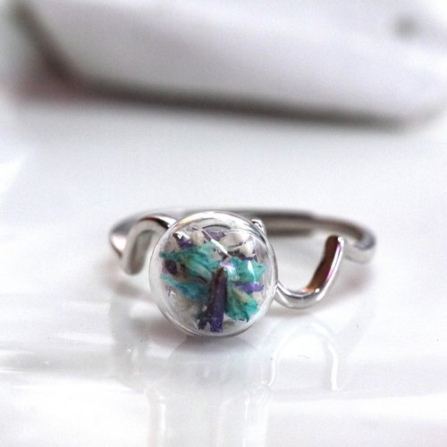 Dried flowers glass ball Ring