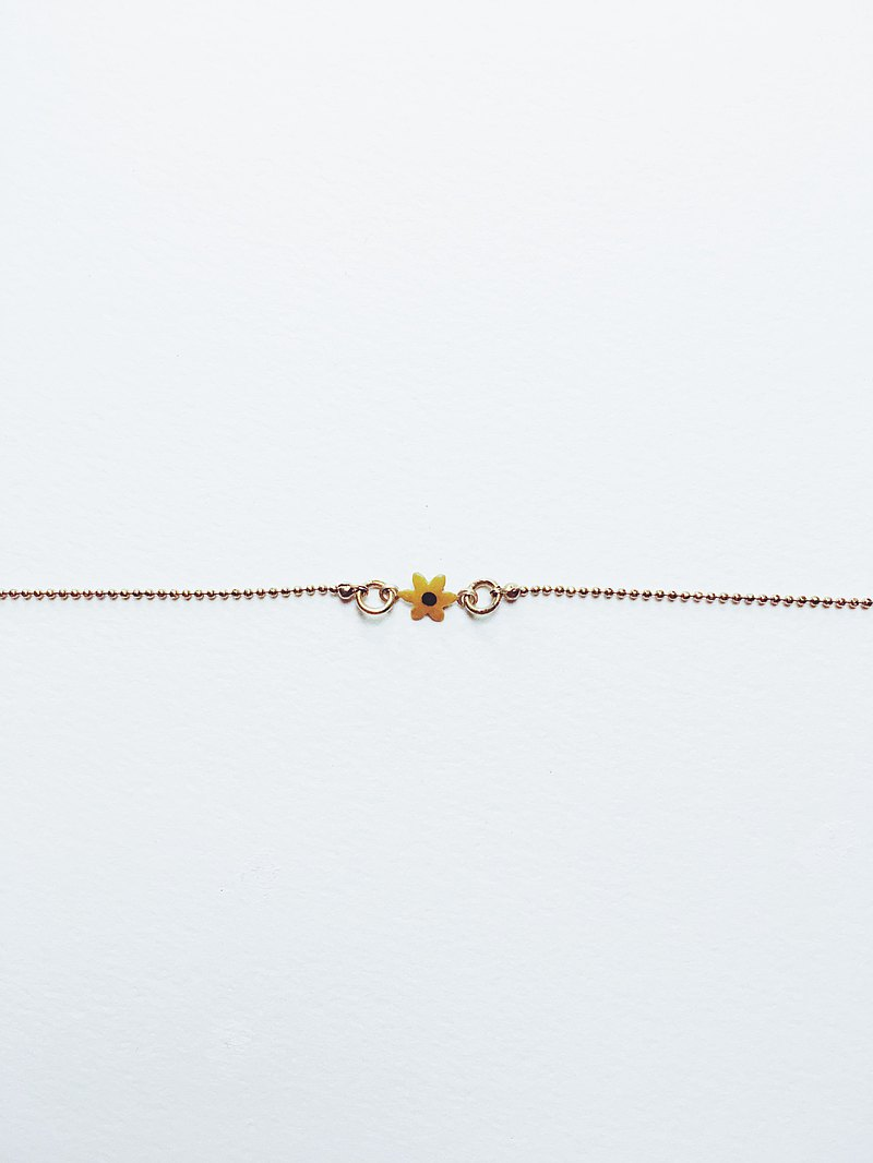 Hand-painted bracelet-yellow daisy