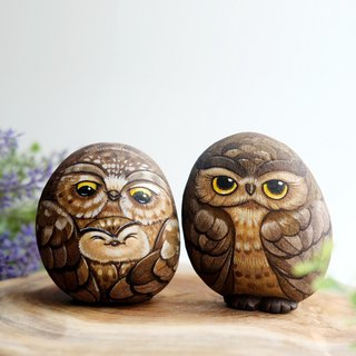 Owls family stone painting.