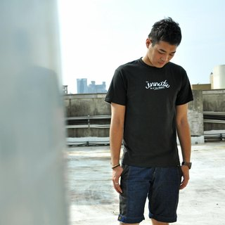[] INNATE cursive logo Champion short black Tee-