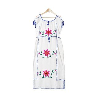 {::: Giraffe Giraffe :::} _ Traditional Flower H line Mexican Embroidery Ancient Dress