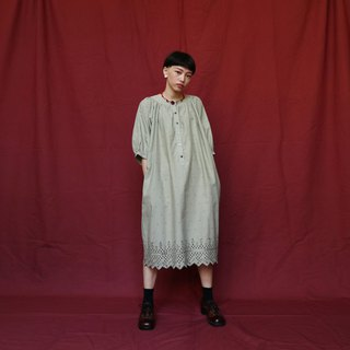 Pumpkin Vintage. Ancient round neck carved dress