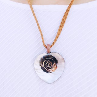 Elegant rose in your heart gemstone necklace | Natural pearl shell | Unique gift
