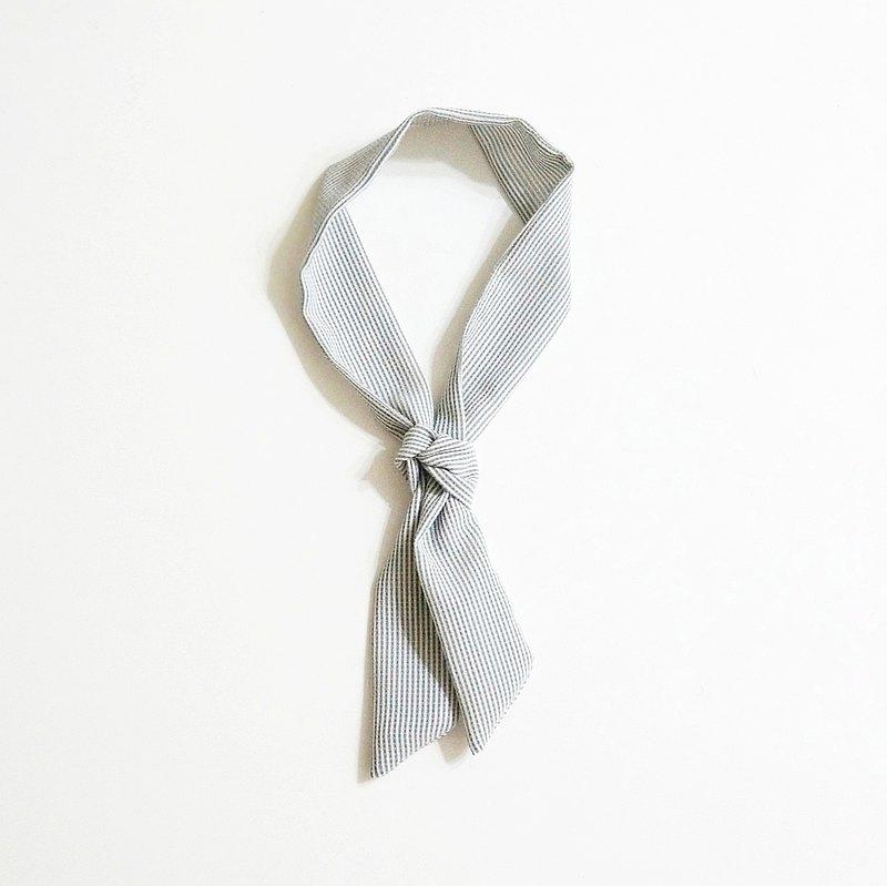 小牛村 手工小領巾 髮帶 輕薄絲巾 簡約百搭【灰藍條紋】