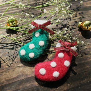 Minibobi hand made wool felt - Christmas / Wish socks // brooch / gift exchange