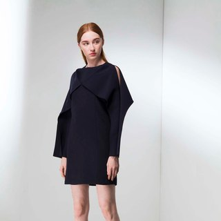 Simple three-dimensional cut dress