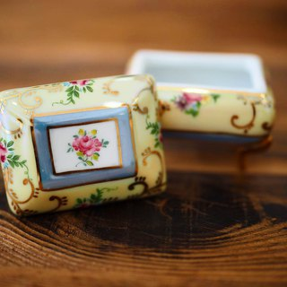 British mini porcelain jewelry box yellow rectangular F section