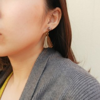 *coucoubird*two-color tassel caviar ear clip / brown. brown