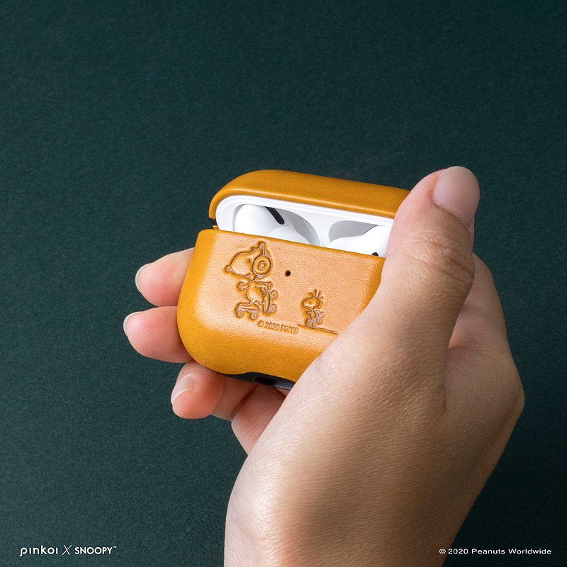 Peanuts 聯名限定款 - AirPods Pro 皮革保護套 焦糖棕